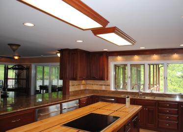 Cherry Kitchen 3 w- Maple butcherblock Island