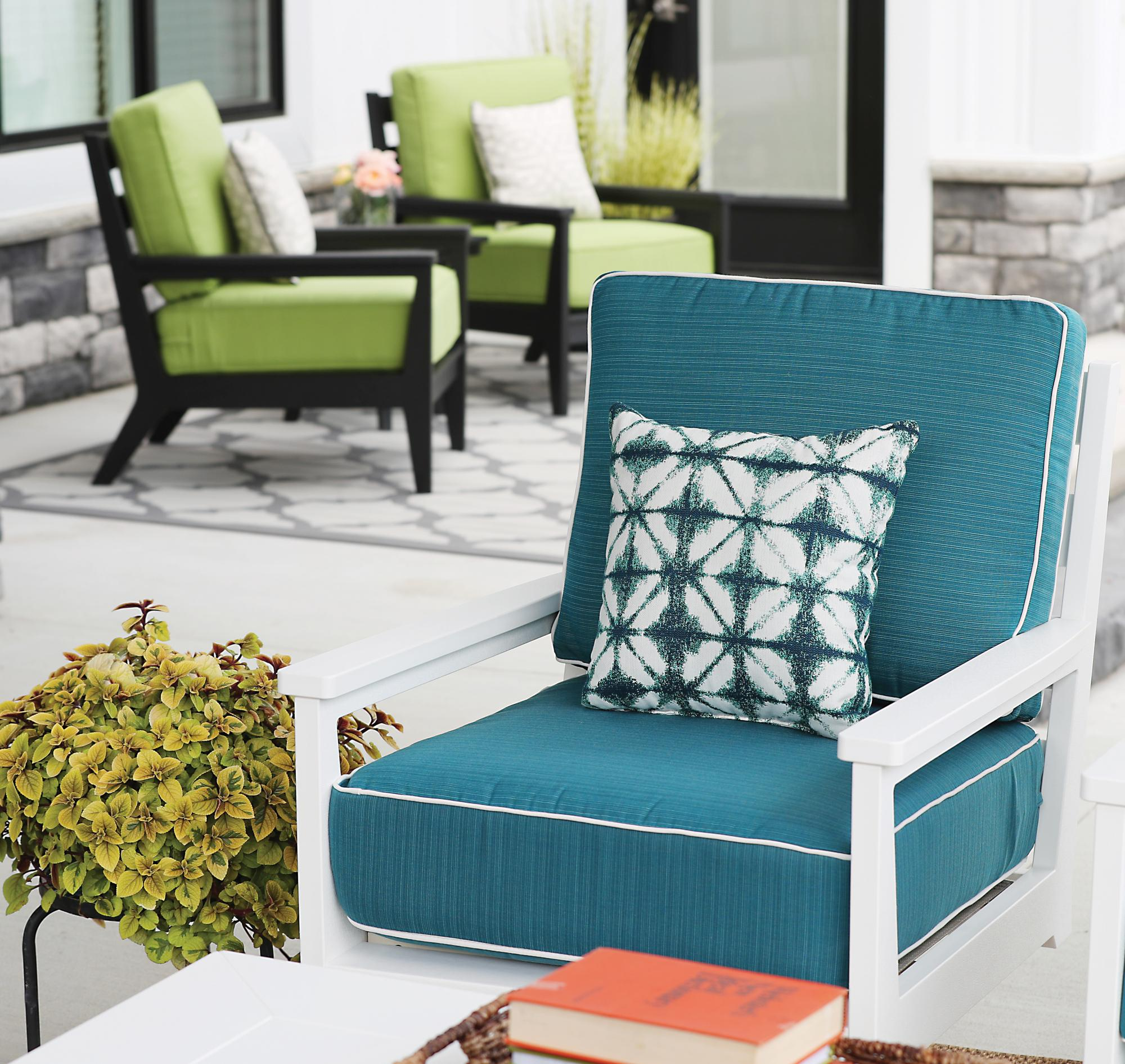 Mayhew Club Chair -White- Dupione Deep Sea
